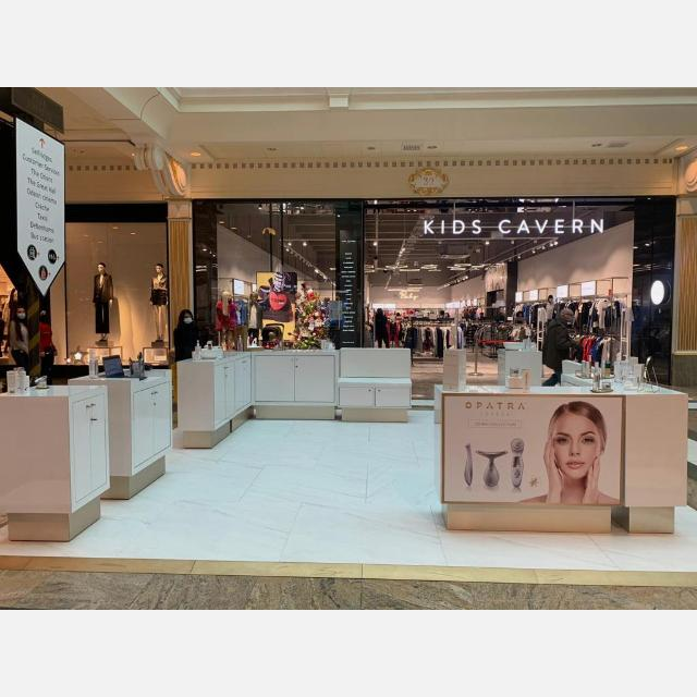 Experienced beauty sales consultant in Trafford Center