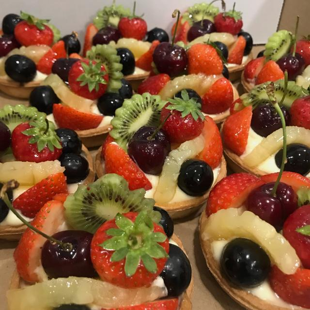 Pastry chef / cake decorator needed in Park Royal