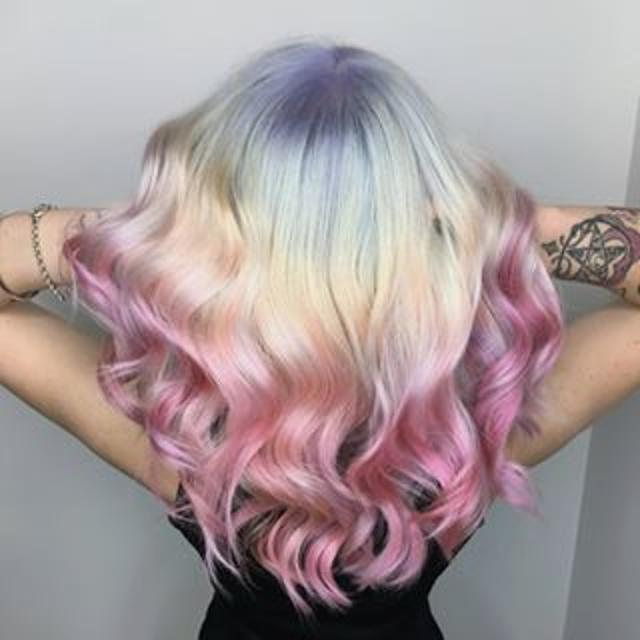 Looking for a rockstar hair-stylist!