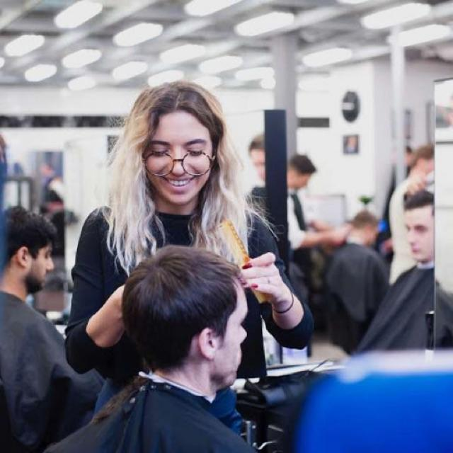 HAIR ACADEMY - BARBER TRAINEESHIP/SUPPORT ROLE - 16/17 YEARS