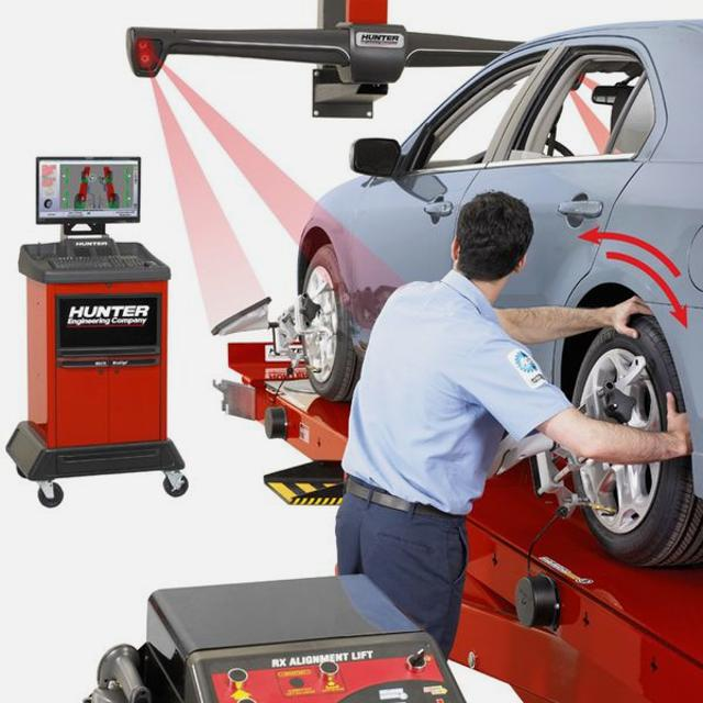 Wheel Alignment Mechanic