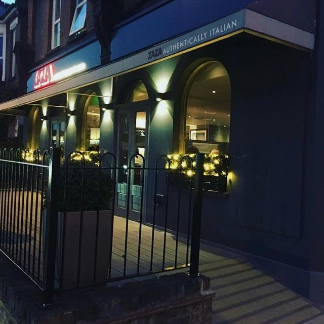 Full time superstar waiting staff required Enfield chase
